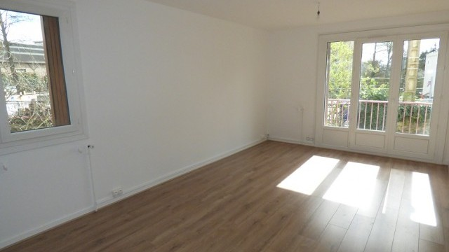 Appartement T1 bis BOURG-L'EVEQUE